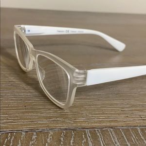 Peepers 2.50 White Reading Glasses